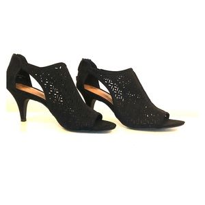 Black Sandals with a Heel